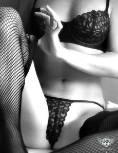 erotic-black-and-white-1